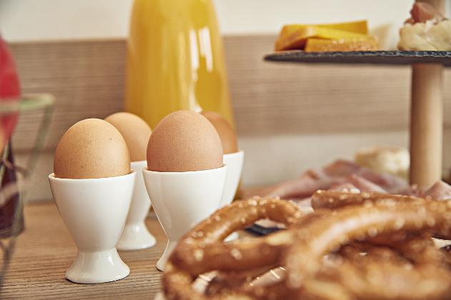 Eggs, orange juice and torcetti